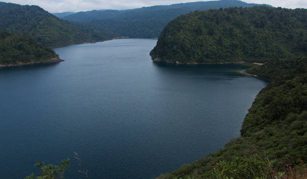 Visiting Lake Waikaremoana in North Island is worth it